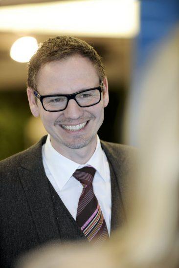 Daniel Starke | Designer BMW i3 | Porträtserie in der BMW Welt München des Starnberger Fotograf Tobias Vetter - Fotostudio Starnberg