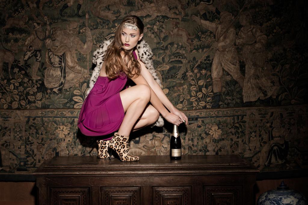 Modeaufnahmen High Fashion Champagner glamour