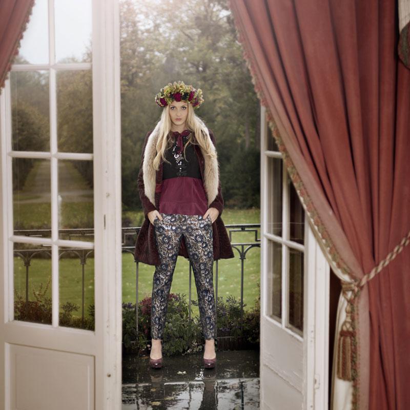 Modefotografie aus dem Ballsaal Schloss Friedrichsruhe