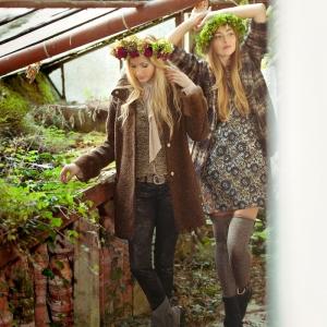 Modefotografie mit Gegenlicht im alten Gewächshaus