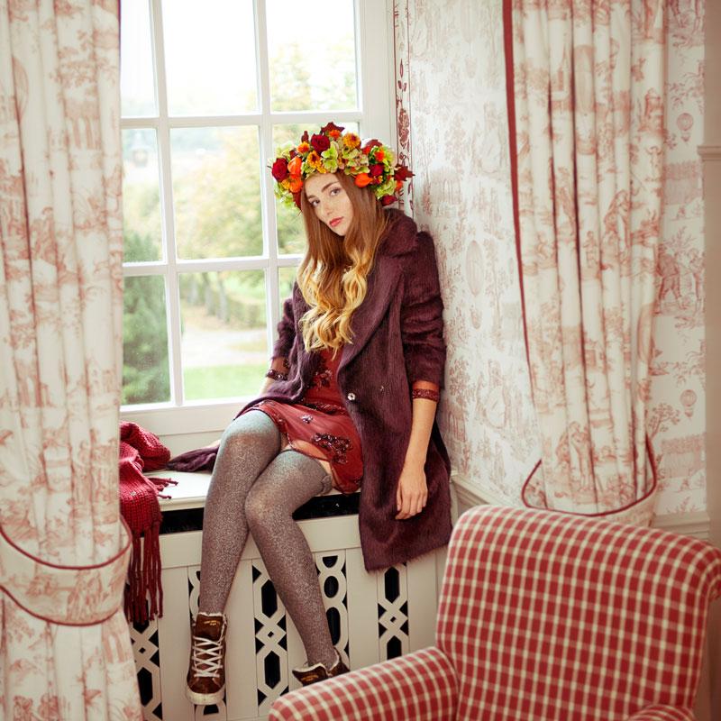 Fashionmodel Diana in Schlosskulisse